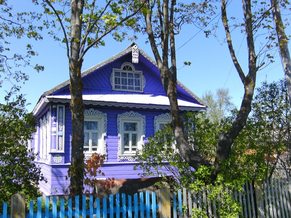 За лето-2021 цены на дачи в Ленобласти выросли на 12%