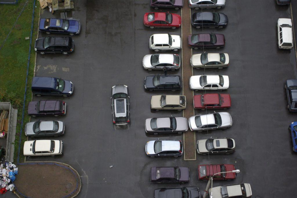 В Петербурге назвали самую популярную парковку
