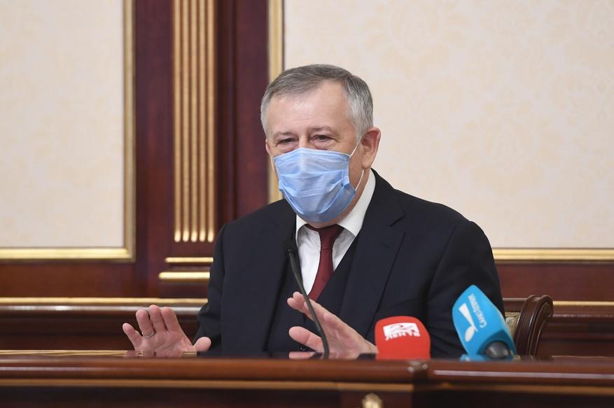 Дрозденко заявил о необходимости дополнительного выходного после прививки от коронавируса