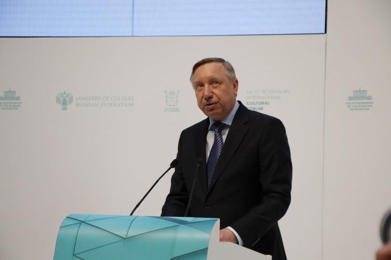 Беглов заявил, что без локдауна в Петербурге был бы 1 млн зараженных коронавирусом