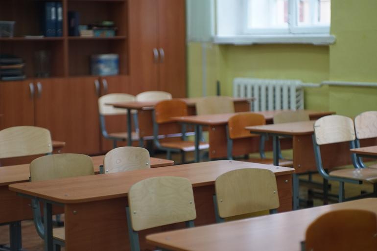 Еще 1,5 тысячи детей вернулись в школы Петербурга после болезни
