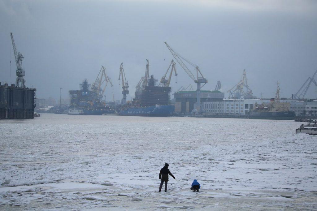 МЧС напомнило петербуржцам о запрете выхода на лед