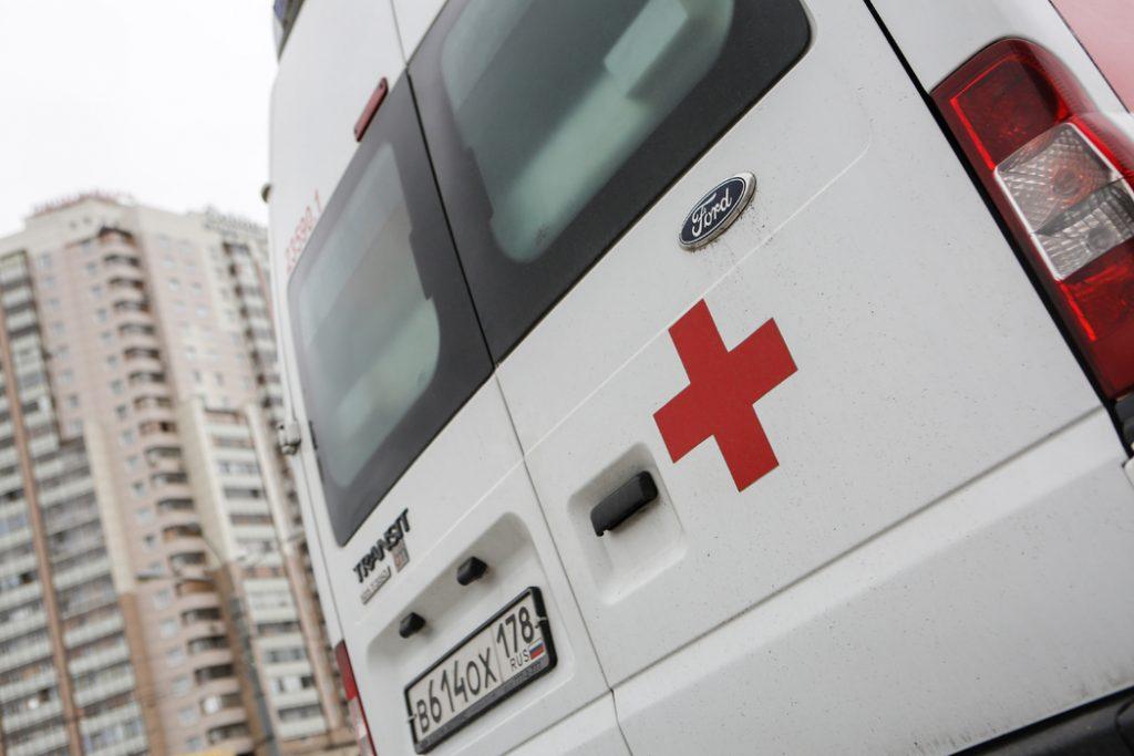 Мужчина умер на станции техобслуживания в Петербурге, устраиваясь на работу