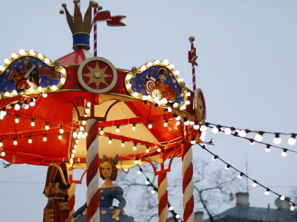 Фоторепортаж Gazeta.Spb: На Манежной площади открылась главная Рождественская ярмарка