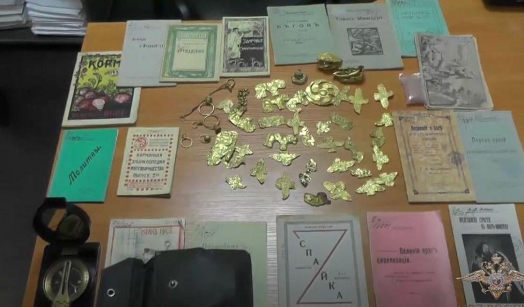 Петербургская полиция показала, как допрашивали подозреваемого в краже археологических находок из института РАН