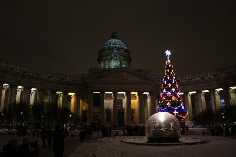 Стало известно, в каких храмах Петербурга пройдут рождественские службы