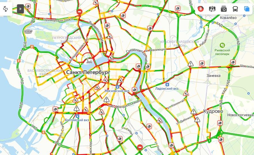Пробки в Петербурге достигли восьми баллов