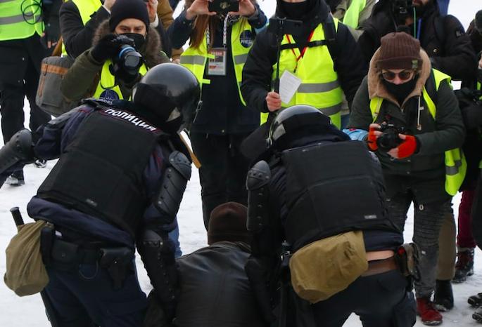 Петербуржцам грозит новое уголовное дело после акции в поддержку Навального