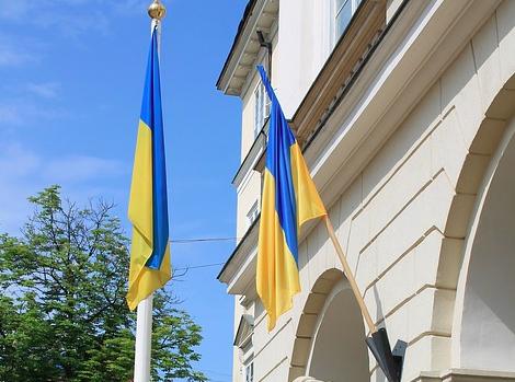 Украинцев известили об угрозе отключения горячей воды и отопления