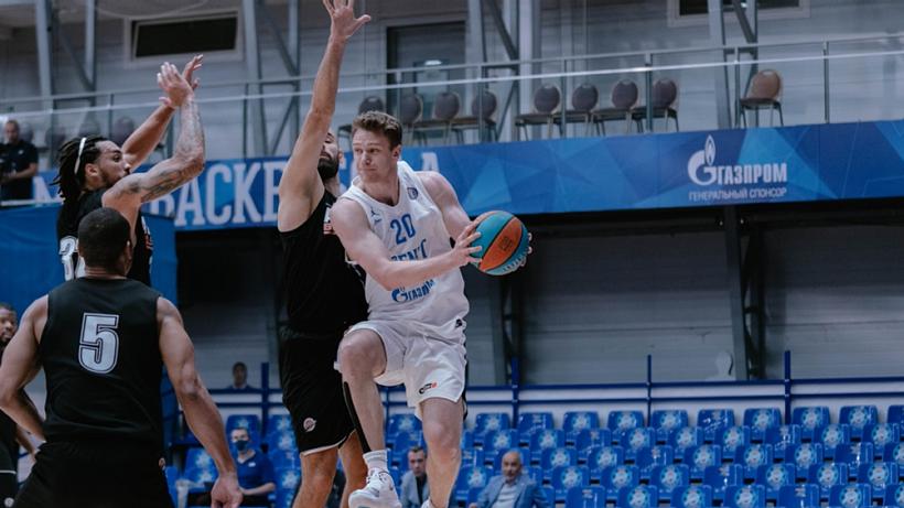 Баскетболисты «Зенита» разгромили «Автодор» в первом матче 2021 года