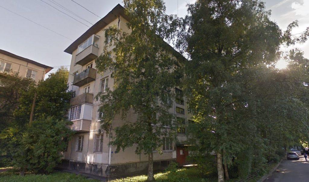 Сгнивший труп неизвестного нашли в квартире на улице Тельмана