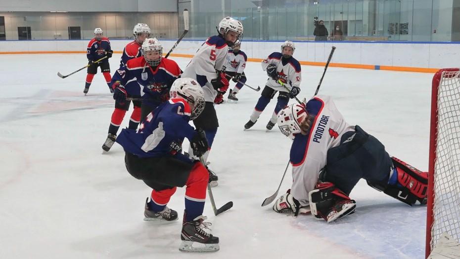 Хоккейную академию имени Валерия Харламова открыли в Петербурге