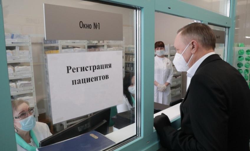 В марте в Петербург поступят еще две партии вакцин от коронавируса