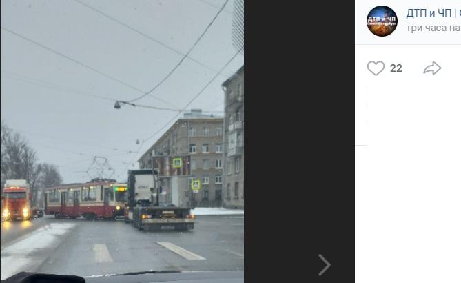 ДТП на перекрестке Маршала Говорова остановило движение трамваев