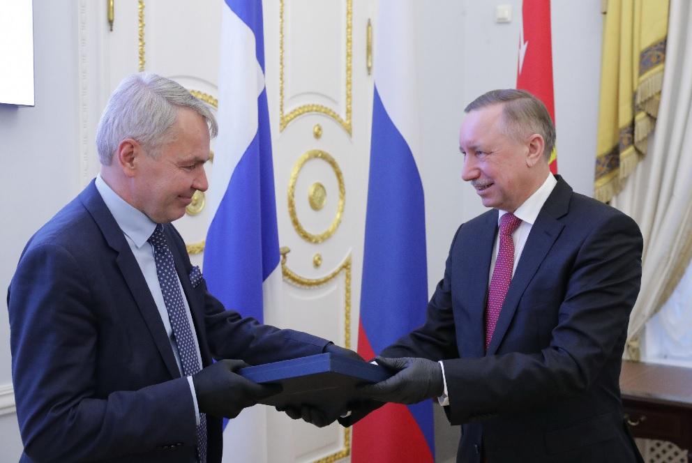 Беглов и министр иностранных дел Финляндии обсудили сотрудничество и открытие границ