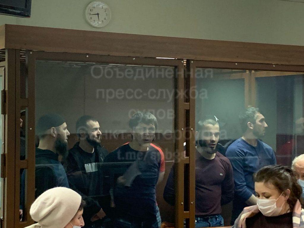 «Питерские разборки»: драки, стрельба, ножевые ранения в кафе и ресторанах Петербурга
