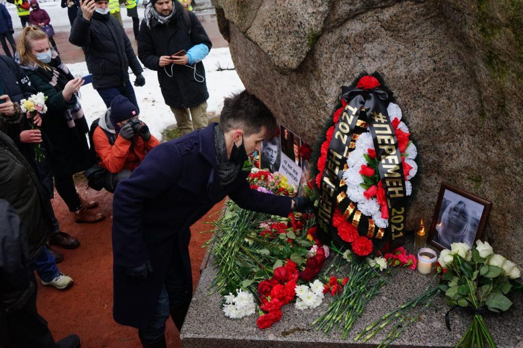 В Петербурге мирная акция памяти Немцова обошлась без задержаний –фоторепортаж Gazeta.SPb