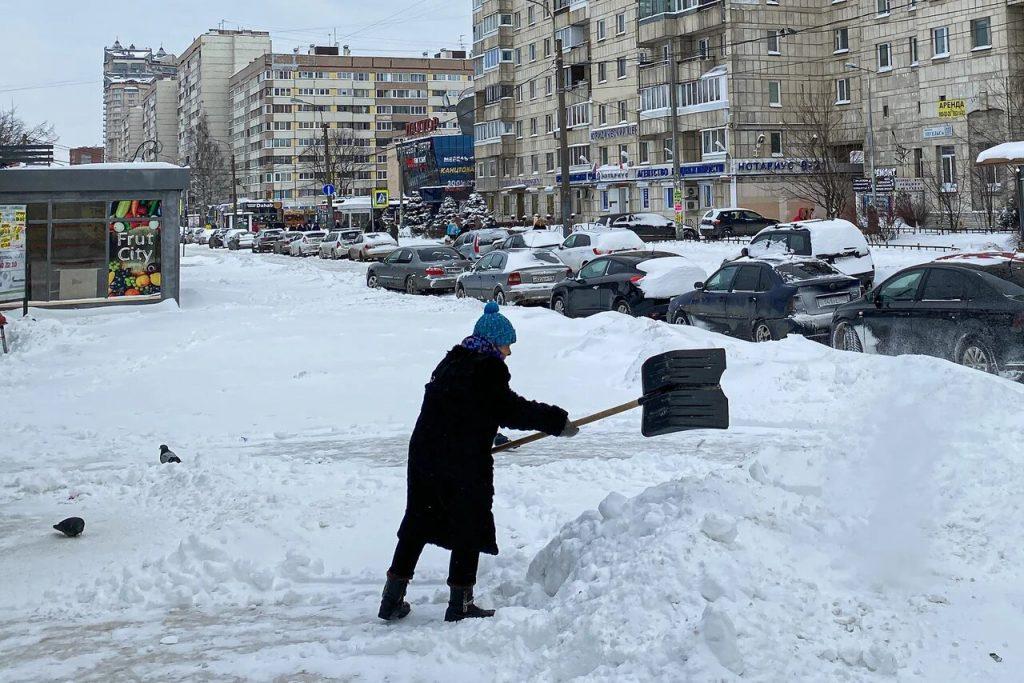 Петербуржцы весь день жалуются на качество уборки снега: фоторепортаж Gazeta.SPb