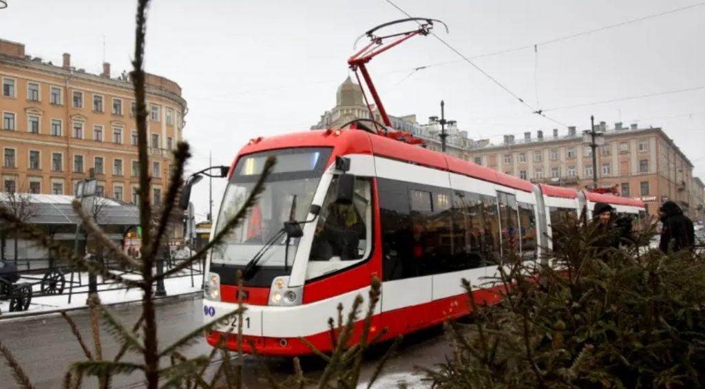 В Петербурге шесть трамваев изменят маршруты в мае