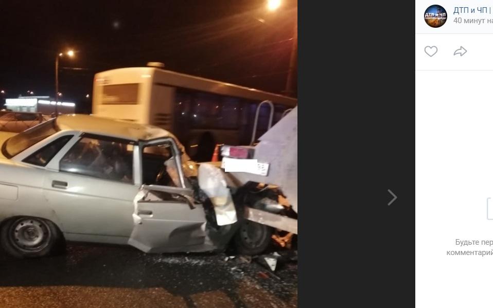 Водитель ВАЗа попытался сбежать после ДТП на Руставели