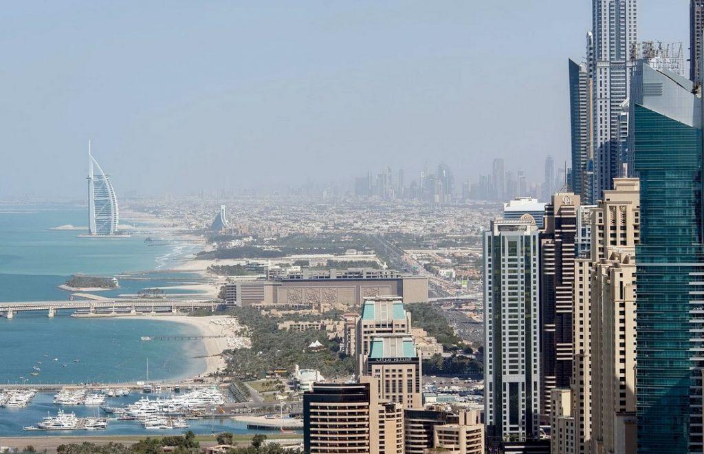 В Дубае продлили все коронавирусные ограничения