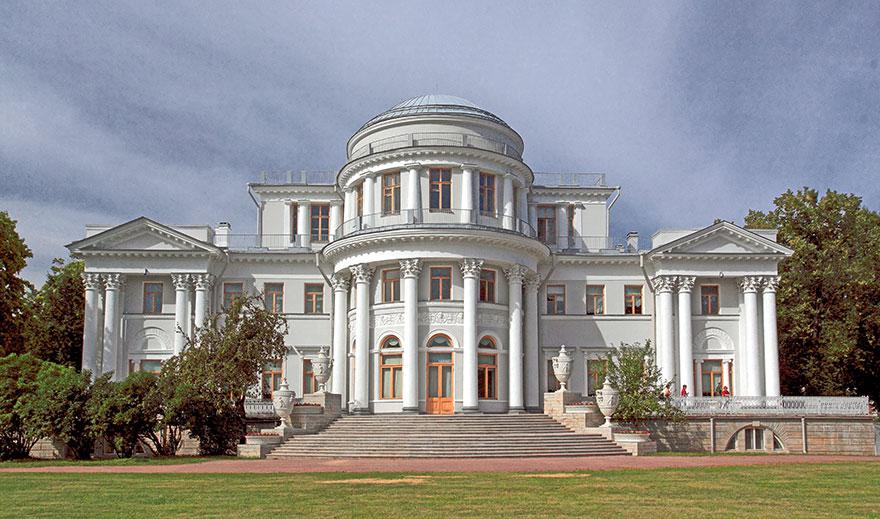 После реставрации Елагин дворец открывается для посещения