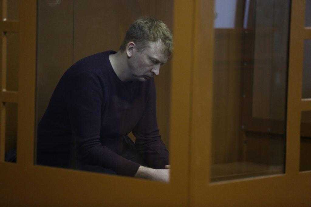 В Петербурге осудили на 4 года колонии лихача, сбившего двух подростков на Тореза