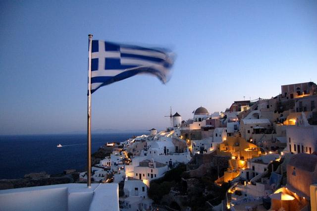 В Греции мужчина умер на следующий день после прививки AstraZeneca
