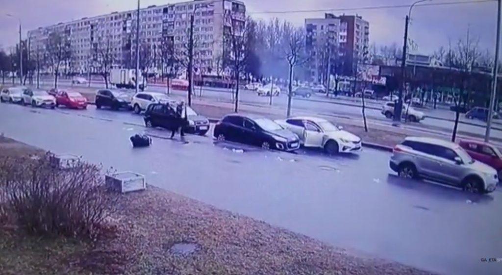 В Петербурге младший брат обвиняется в попытке убить старшего: он резал его и стрелял