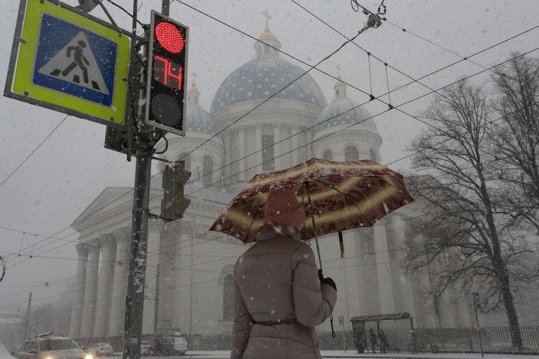 Петербуржцам рассказали, когда выпадет первый снег