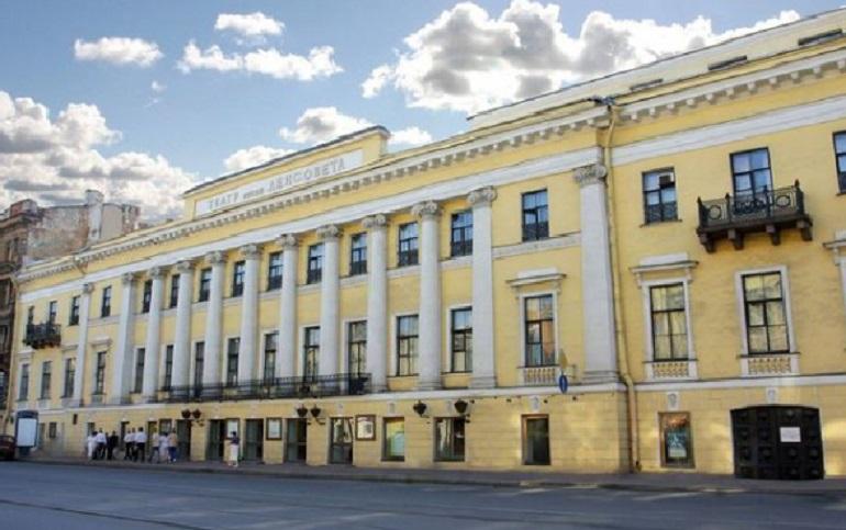 Куда пойти 5 мая: лучшие театральные премьеры Петербурга