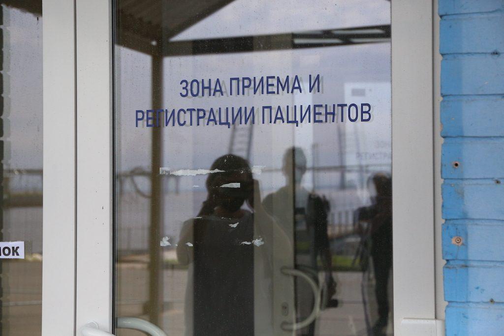 Временный коронавирусный госпиталь в «Ленэкспо» с пятницы вновь начинает прием пациентов: третья волна?