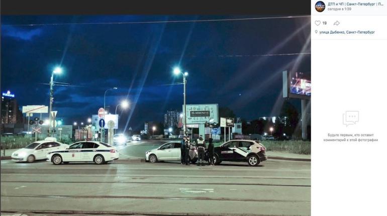 На пустой дороге и на ровном месте: каршеринг протаранил Hyundai Solaris
