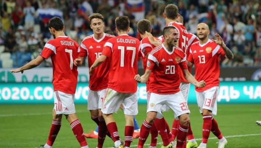 Сборная России по футболу вылетит в Копенгаген с опозданием