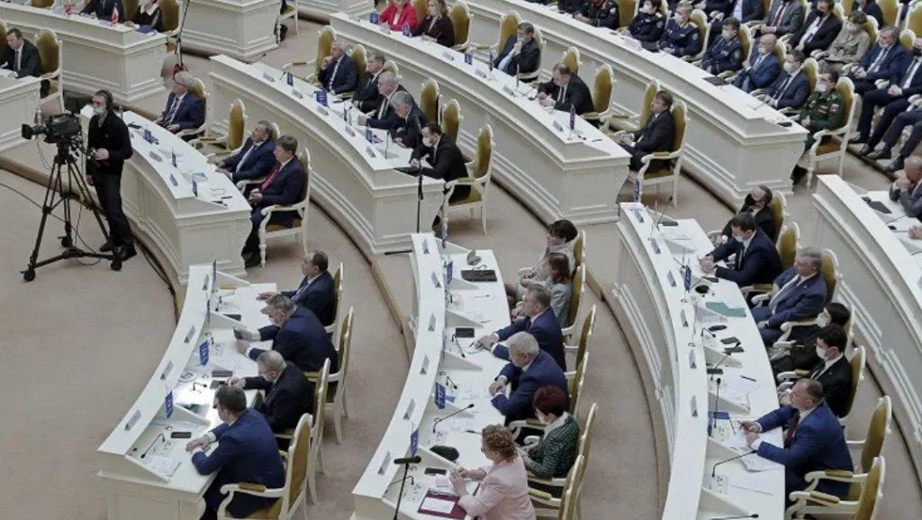 В Мариинском дворце прошло последнее заседание депутатов шестого созыва