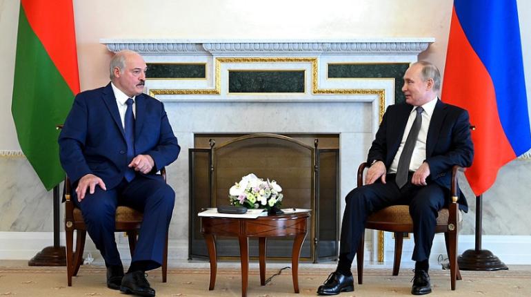 Стало известно, зачем Путин позвал Лукашенко в Кремль