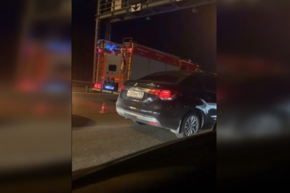 У развязки с Мурманским шоссе на КАД произошла массовая авария