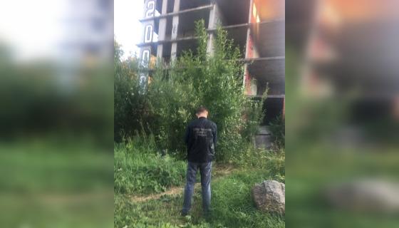 Следователи открыли дело после падения девочки со стройки под Петербургом