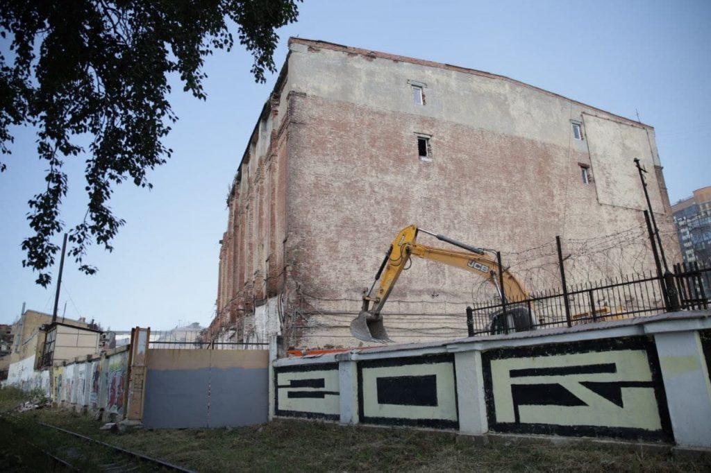 Суд разрешил снос хладокомбината на Шкапина: еще в июле здание отстаивали с прокуратурой