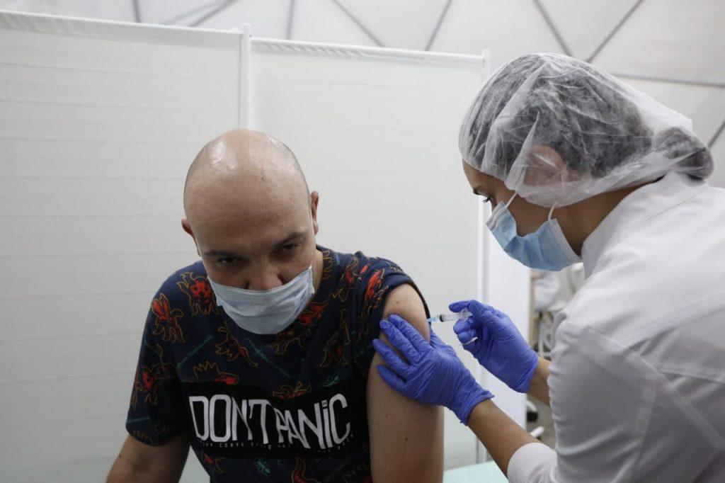 Россия будет производить вакцины AstraZeneca, но не для себя