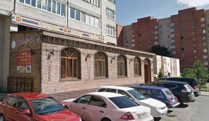 В Петербурге на Ветеранов сгорело кафе «Вечерний Питер»