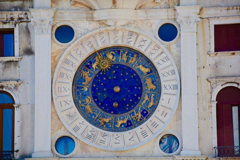 Каким знакам зодиака осень принесет удивительные перемены