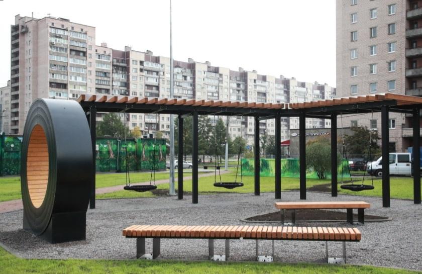 На проспекте Большевиков появилось общественное пространство