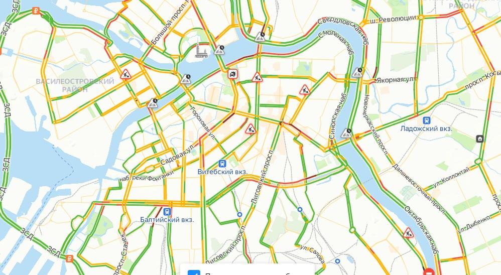 Петербуржцы стоят в 6-балльных пробках утром в четверг