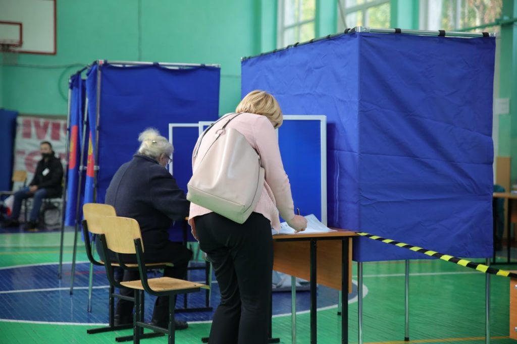 В Выборгском районе сообщили об исчезновении председателя УИК с ящиками для надомного голосования