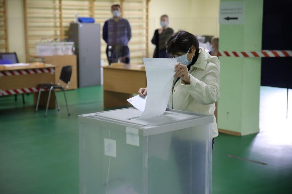 В Петербурге явка на выборы в Госдуму к 15:00 составила 7,2%