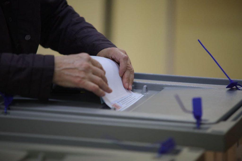 Член избиркома Петербурга Кузьмин озвучил явку на выборы к утру 19 сентября