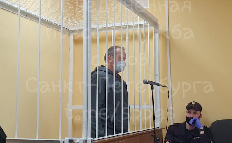 Экс-главе Выборгского района Ленобласти, обвиняемому в хищении 700 млн из бюджета, продлили домашний арест