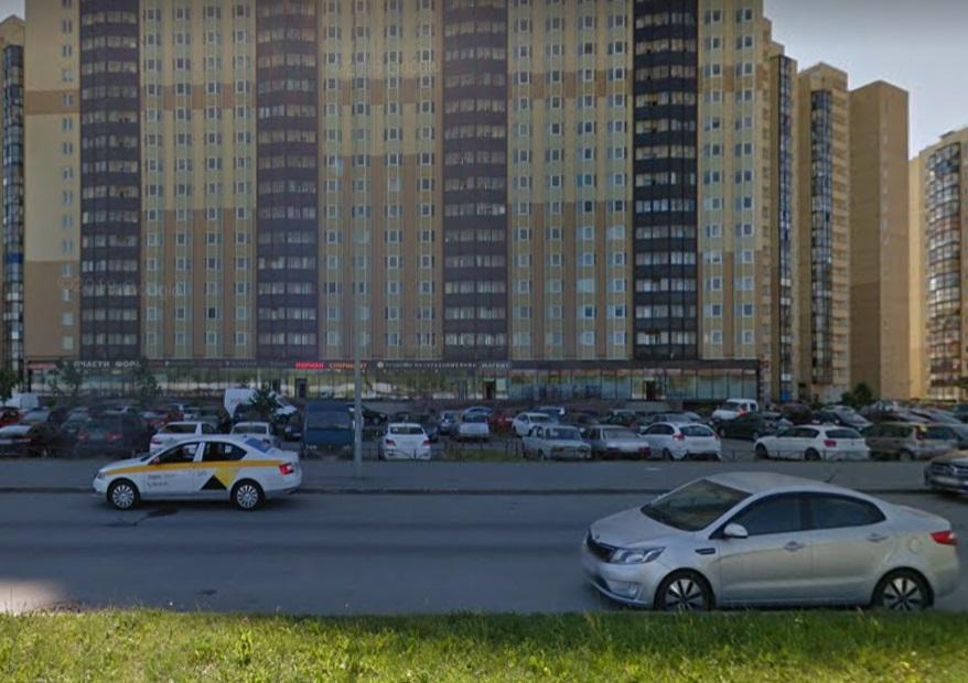 На проспекте Маршала Казакова загорелись две легковушки