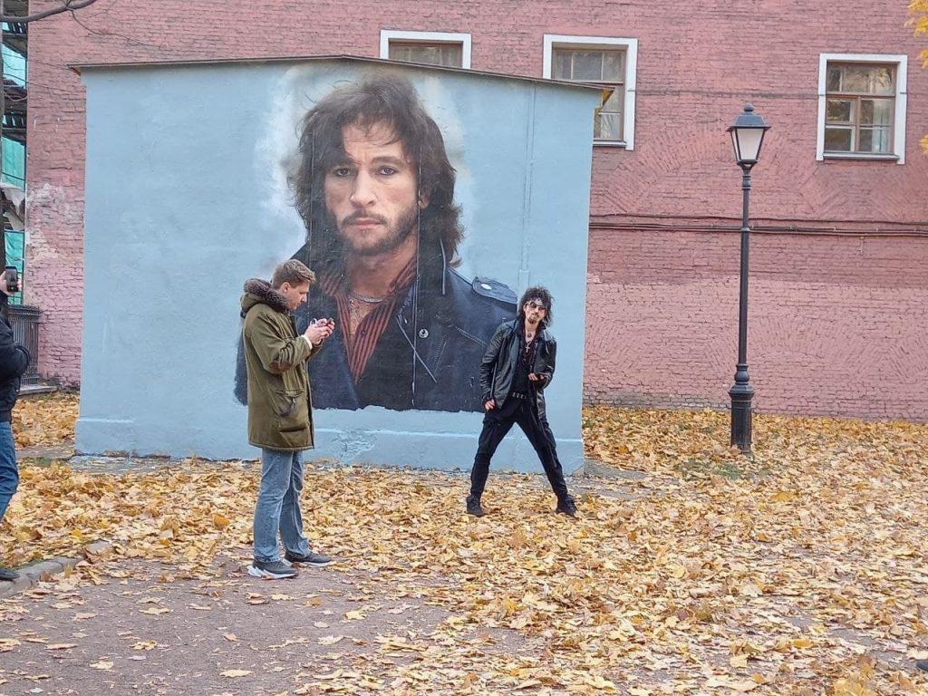 Сын Игоря Талькова пришел защищать граффити с отцом от коммунальщиков